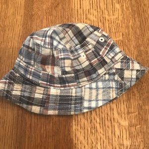 Baby Gap plaid bucket sun hat size 0-6 months